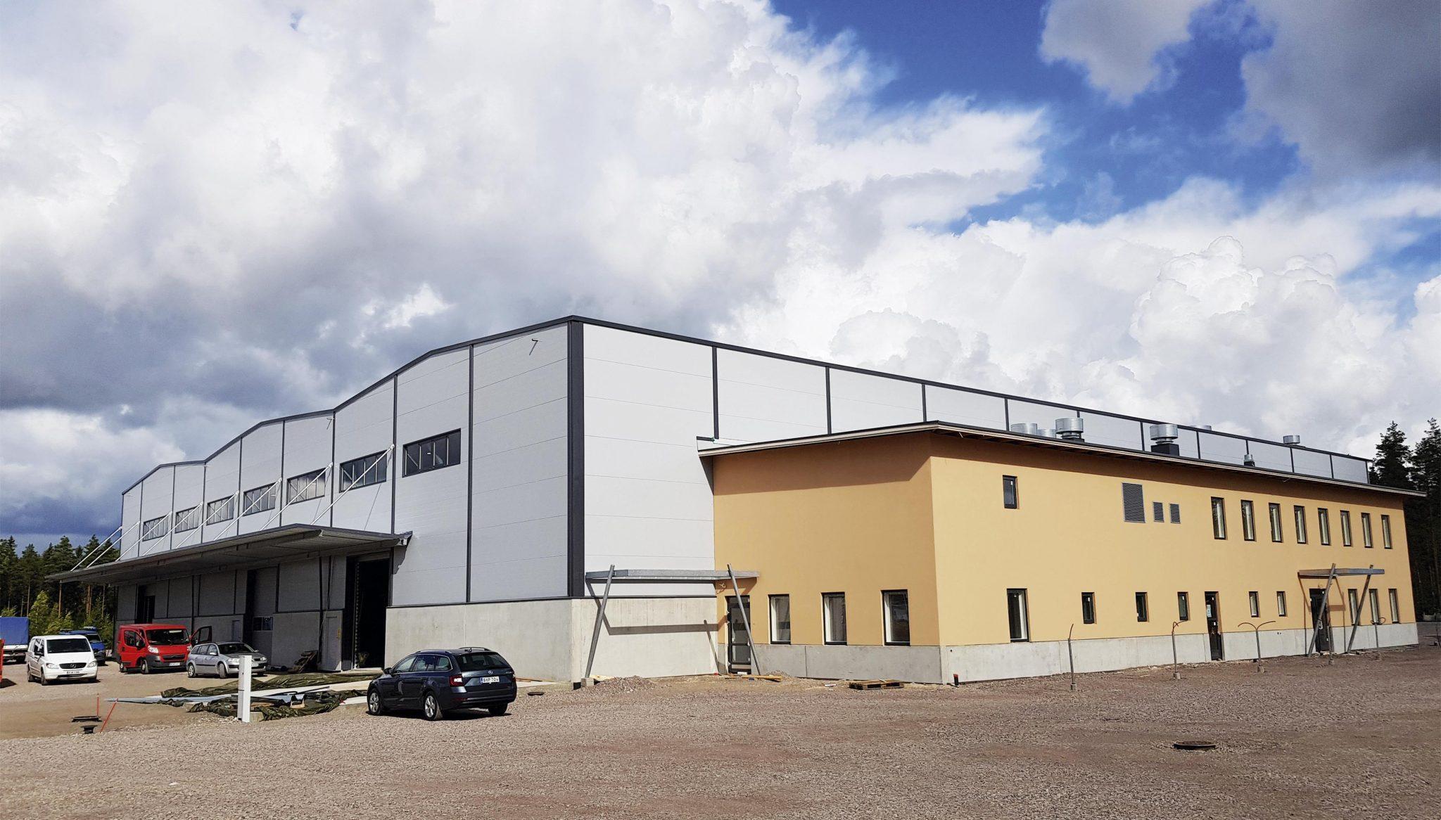 """Hitsaus- ja Rakennustyö Aho Oy teki historiansa suurimmat investoinnit Tulevaisuuden tekijä –  """"Investointeja tehdään asiakkaita varten"""""""